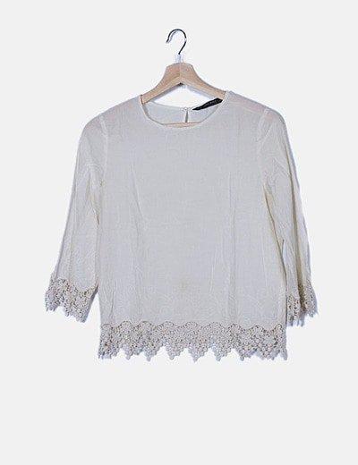 Blusa cruda detalle crochet