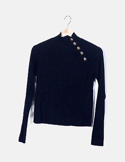 Suéter negro canalé botones dorados