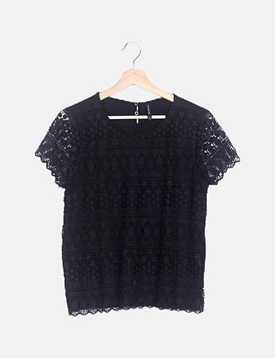 Camiseta negra crochet