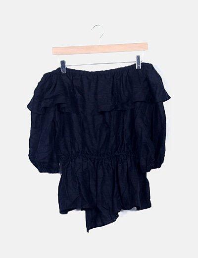 Blusa peplum negra escote bardot