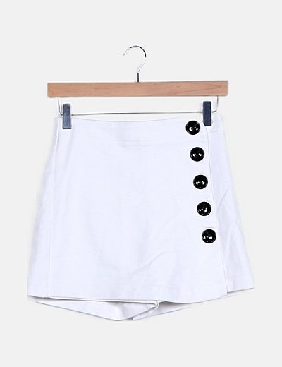 Falda pantalón blanca abotonada