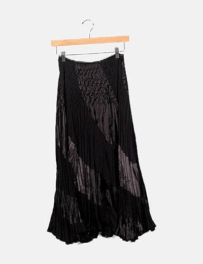 Falda maxi negra plisada