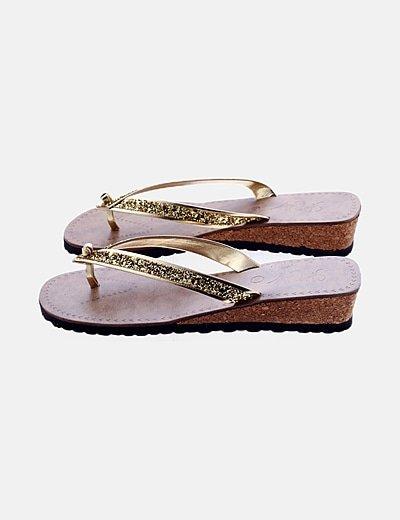 Sandalia plataforma glitter dorada