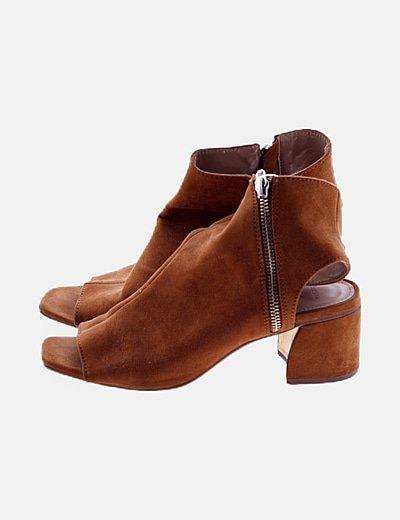 Zapato camel antelina