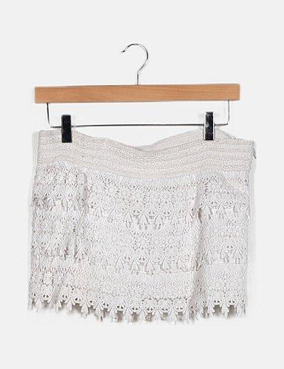 Falda pantalón detalle encaje