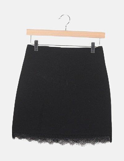 Falda negra detalle encaje