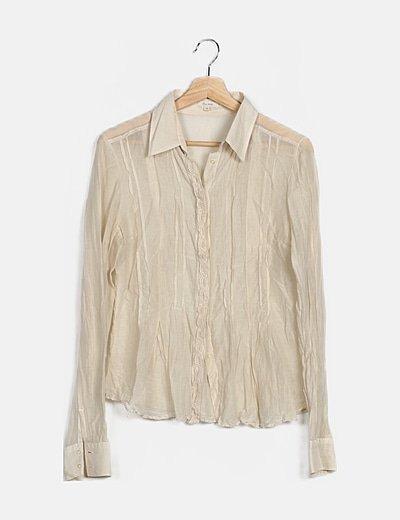 Camisa semitransparente blanco roto detalles