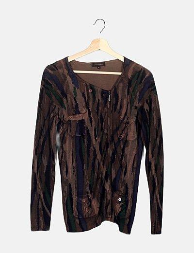 Jersey marrón estampado detalles
