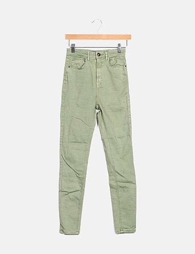 Jeans denim pitillo tiro alto verde