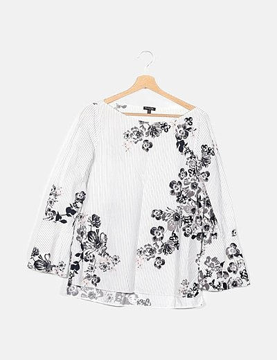 Blusa bicolor de rayas estampado floral