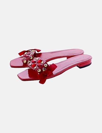 Sandalias planas rojas con strass