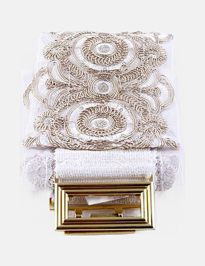 Cinturón tull blanco bordado detalle hebilla