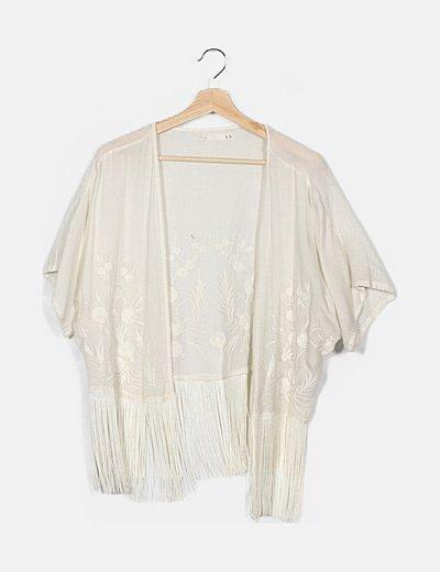 Kimono blanco flecos