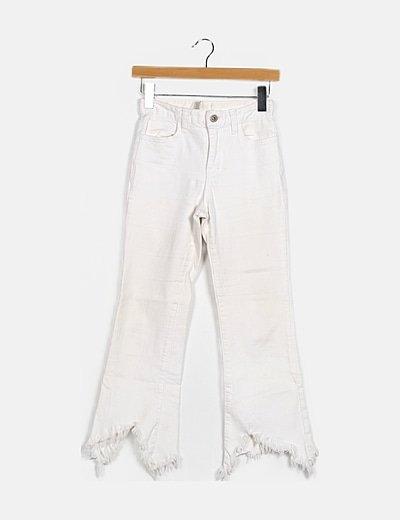 Pantalón denim blanco desflecado