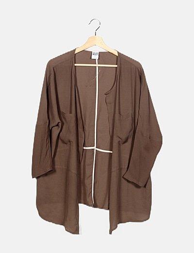 Kimono satinado marrón manga larga