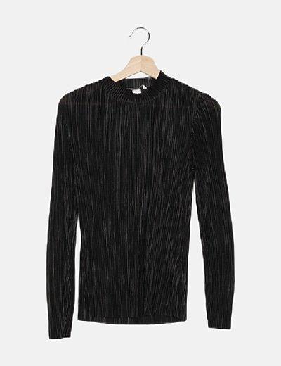 Camiseta plisada negra