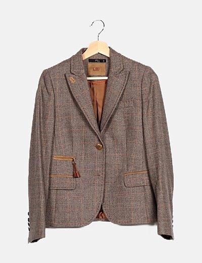 Blazer lana marrón detalle botón y coderas