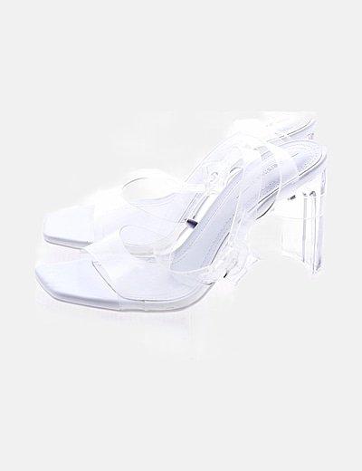 Sandalia blanca tacón