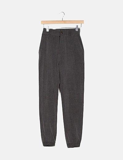 Pantalón baggy gris