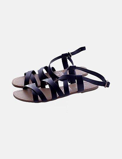 Sandalia negra tiras