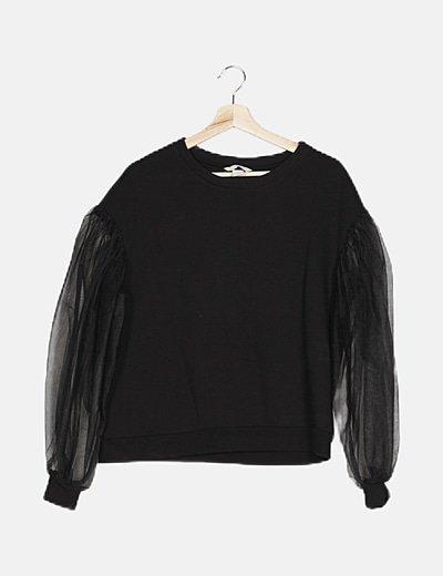 Jersey negro detalle mangas