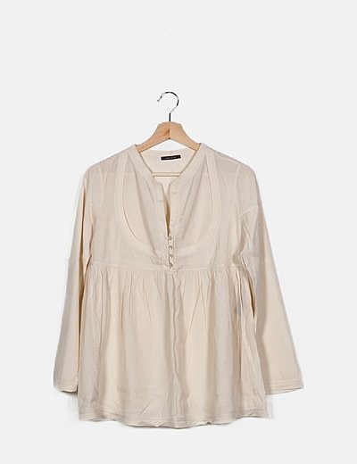 Blusa crema detalle botones