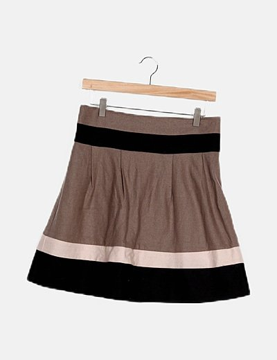 Falda bicolor con pliegues