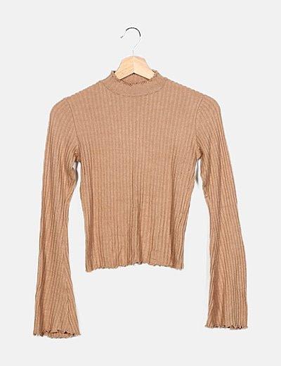 Suéter marrón canalé