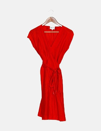 Vestido midi rojo satinado