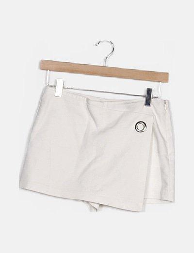 Shorts blanco detalle cruzado