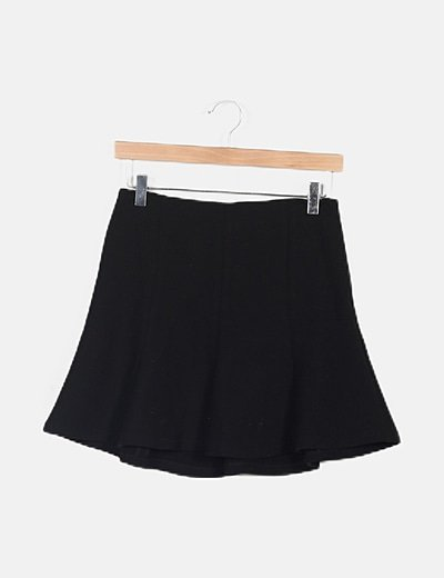 Minifalda negra volantes