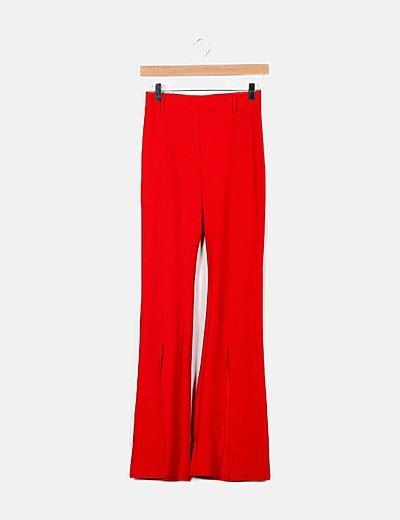 Pantalón rojo campana detalle abertura