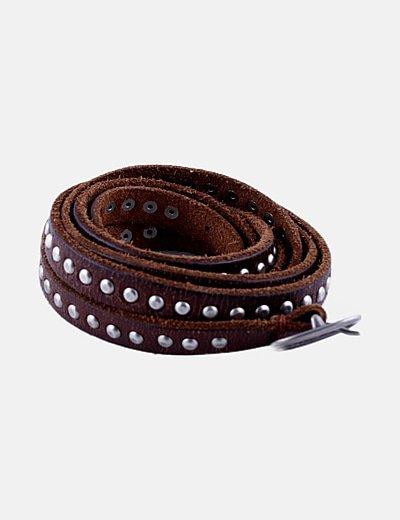 Cinturón marrón tachas