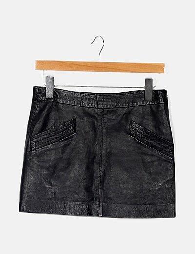 Falda negra encerada mini