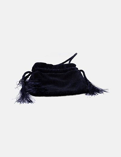 Bolso negro de mano