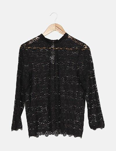 Suéter encaje negro