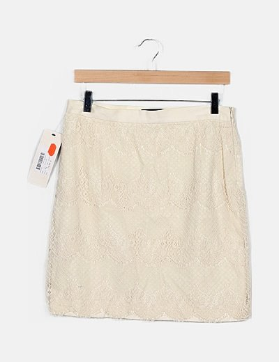Falda blanca encaje