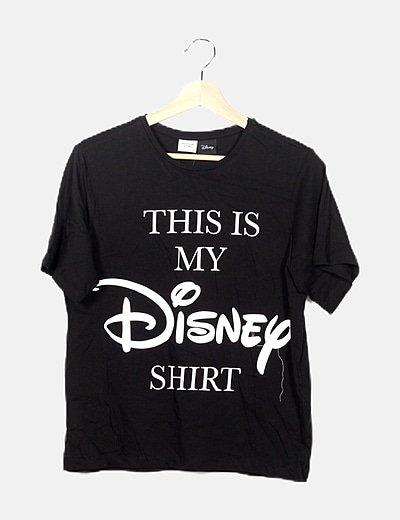 Camiseta negra estampado letras
