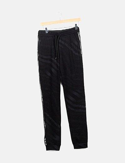 Pantalón negro chándal