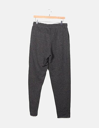 Pantalón gris chándal