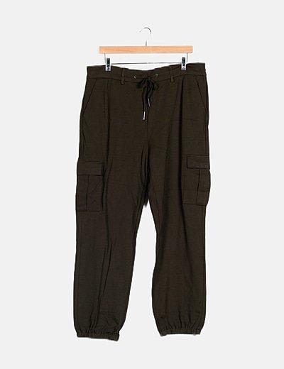 Pantalón baggy verde bolsillos