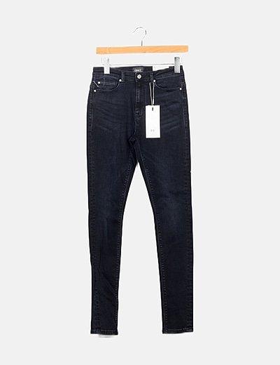 Pantalón azul marino pitillo