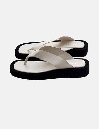 Sandalia beige plataforma