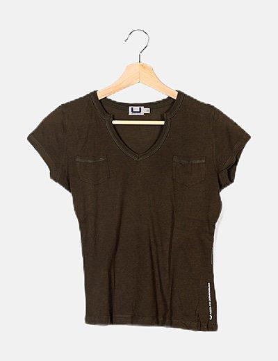 Camiseta verde básica
