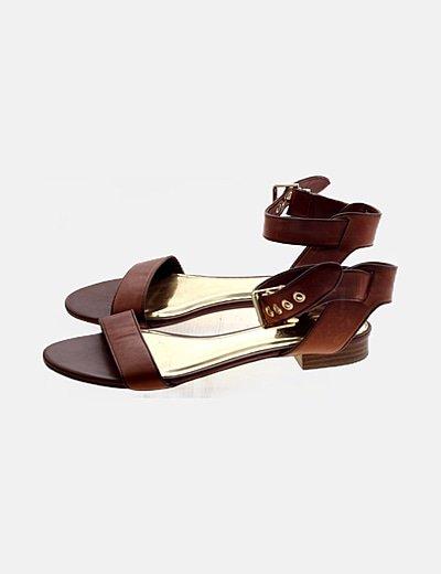 Sandalia marrón piel