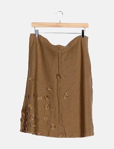 Falda midi marrón estampado recortes