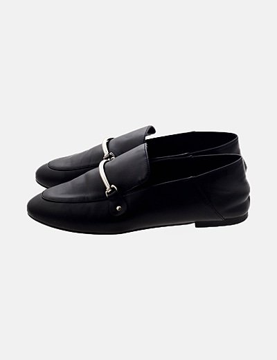 Zapato negro detalle