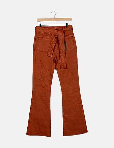 Pantalón naranja campana