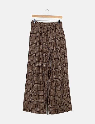 Pantalón marrón de cuadros
