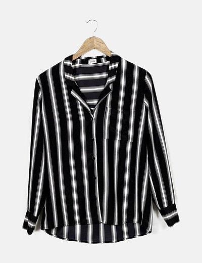 Camisa negra rayas blancas
